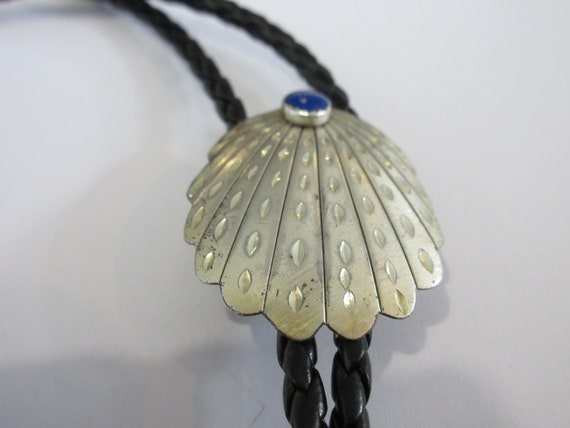 Shell Bolo Tie, Sterling Silver Ornate Shell w Lap