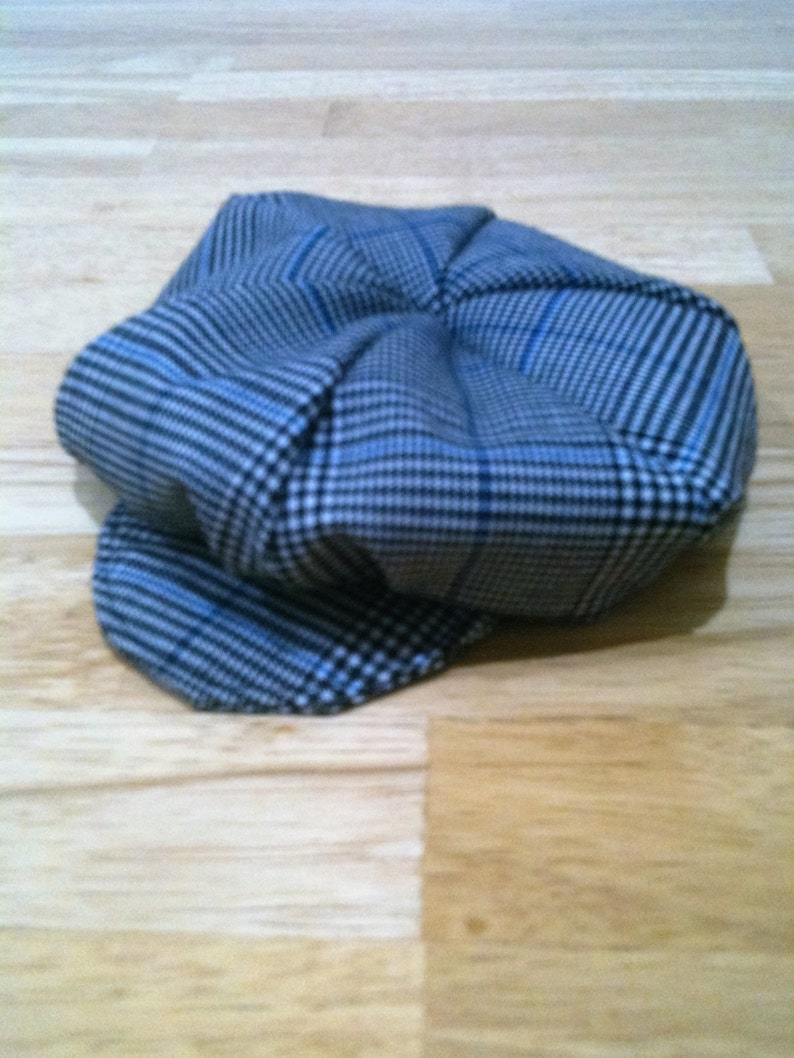 collar and bow tie set. Baker boy hat