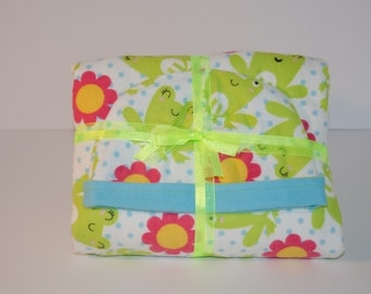 Baby Gift Set Blanket and Matching Reversible Hat with Green Frogs and Pink Flower