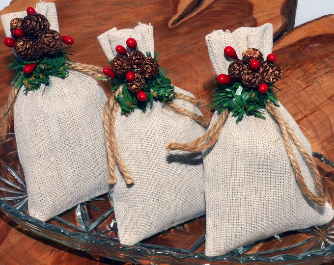 Balsam Sachets 15 pack, great for Christmas, holidays, gift giving, decorations, stocking stuffers, smells like a Christmas tree