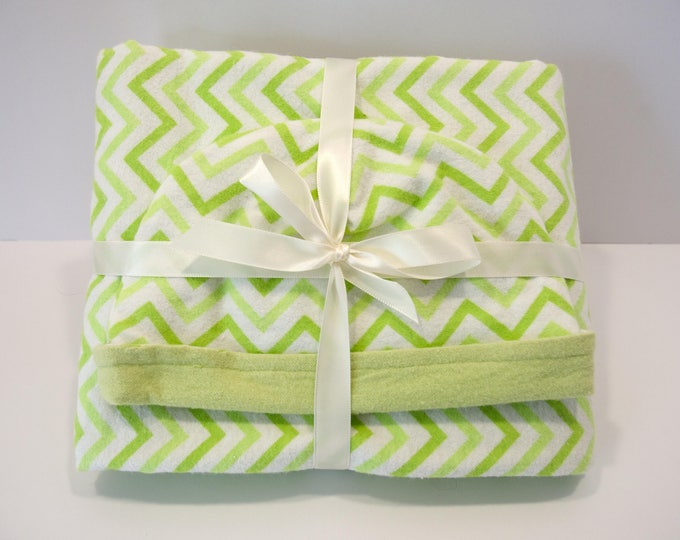 Baby Gift Set Blanket and Matching Reversible Hat