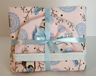 Baby Gift Set Blanket with Matching Reversible Hat