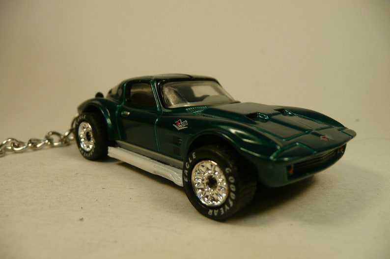 Keychain /'64  CORVETTE GRAND SPORT stingray 1964 chevy chevrolet corvette grand sport  stingray  key chain