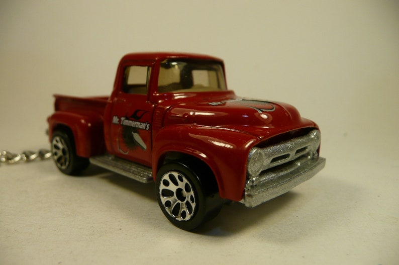 Keychain /'56 FORD PICK UP 1956 ford pick up truck  key chain