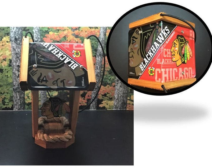 Chicago Blackhawks Two-Sided Cedar Bird Feeder (SI Series)