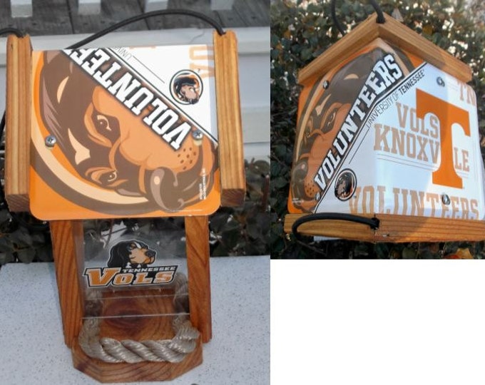 Tennessee University Volunteers Two-Sided Cedar Bird Feeder (SI Series)