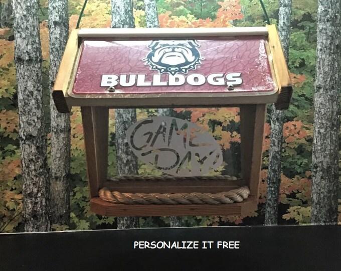 Bulldogs (GA) Deluxe Cedar Two Sided Bird Feeder