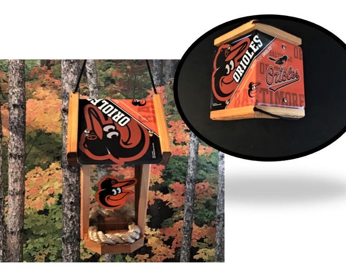 Baltimore Orioles Two-Sided Cedar Bird Feeder (SI Series)