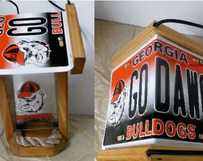 Georgia Bulldogs Two-Sided Cedar Bird Feeder