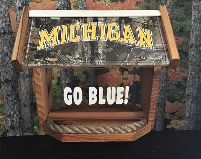 Michigan Wolverines Deluxe Camouflage Cedar Two Sided Bird Feeder