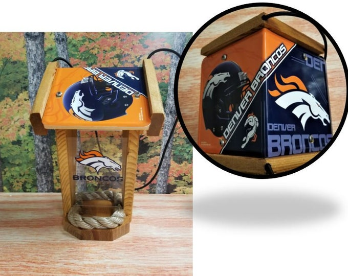 Denver Broncos Two-Sided Cedar Bird Feeder (SI Series)