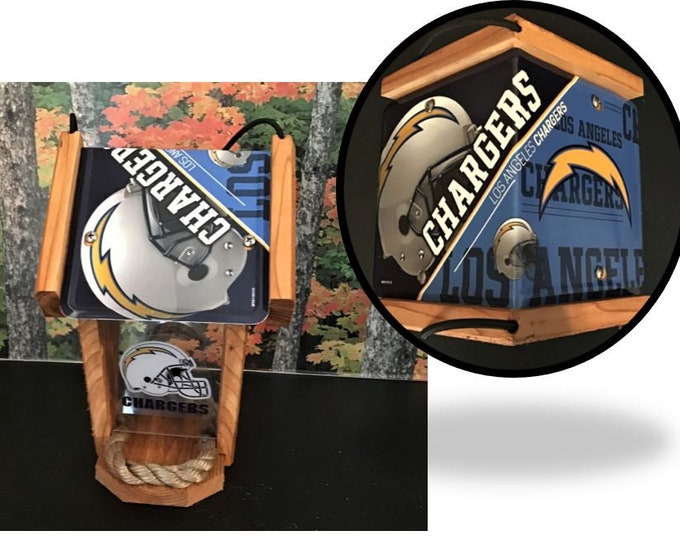 LA Chargers Two-Sided Cedar Bird Feeder (SI Series)