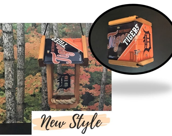 Detroit Tigers Two-Sided Cedar Bird Feeder (SI series)