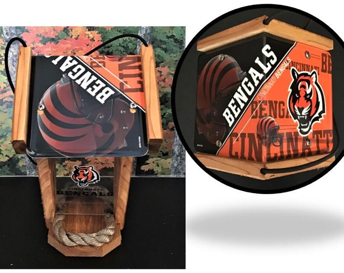 Cincinnati Bengals Two-Sided Cedar Bird Feeder (SI Series)