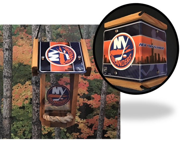 NY Islanders Two-Sided Cedar Bird Feeder