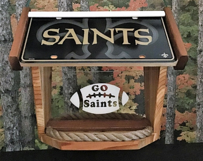 New Orleans Saints Deluxe Cedar Two Sided Bird Feeder