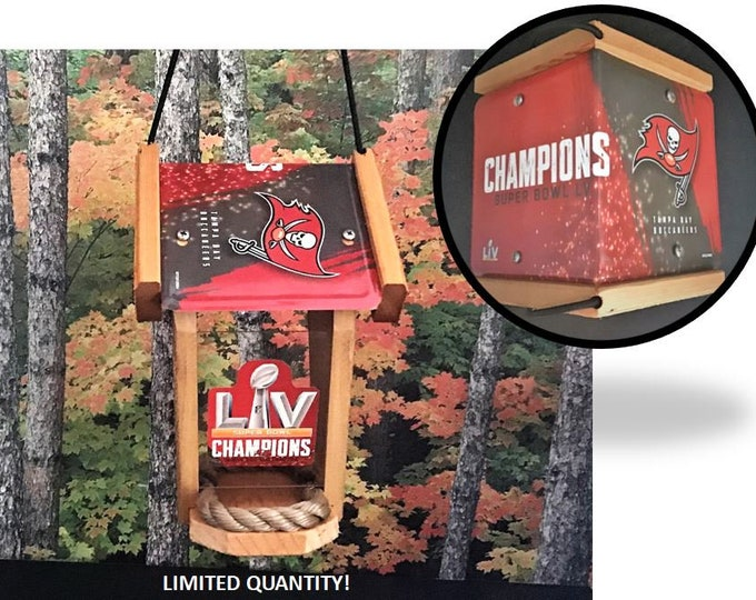 Tampa Bay Buccaneers Championship Super Bowl Two-Sided Cedar Bird Feeder