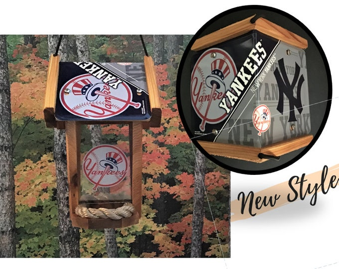 New York Yankees Two-Sided Cedar Bird Feeder (SI Series)