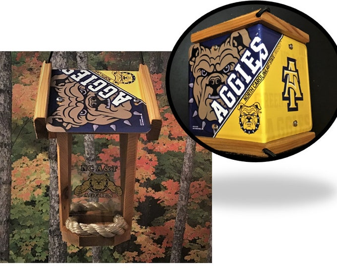 NC A&T State University (Aggies) Two-Sided Cedar Bird Feeder (SI Series)