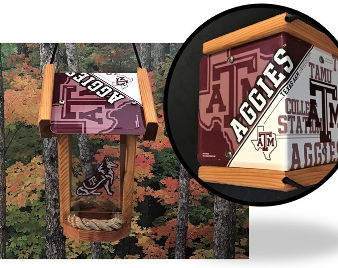 Texas A&M University Two-Sided Cedar Bird Feeder (SI Series)