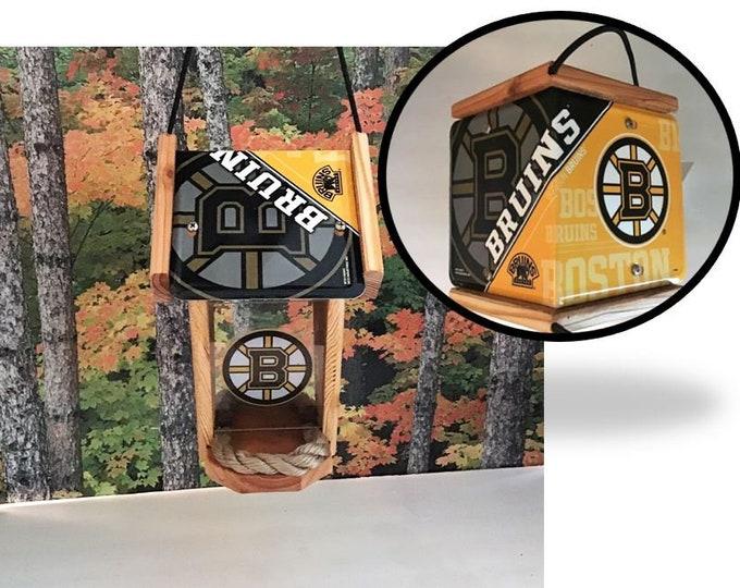 Boston Bruins Two-Sided Cedar Bird Feeder (SI series)