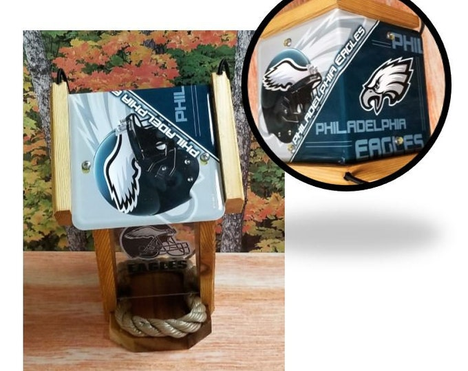 Philadelphia Eagles Two-Sided Cedar Bird Feeder (SI series)