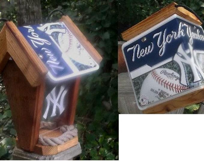 NY Yankees Two-Sided Cedar Bird Feeder