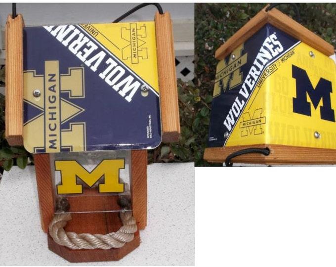 Michigan University (Wolverines) Two-Sided Cedar Bird Feeder (SI Series)