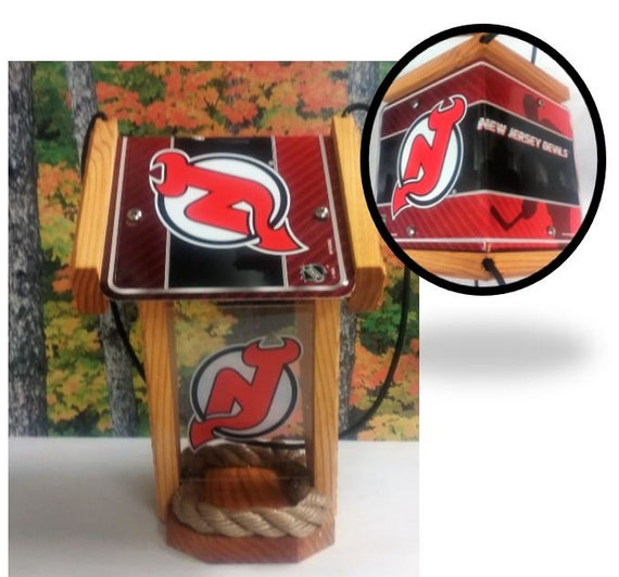 NJ Devils Two-Sided Cedar Bird Feeder