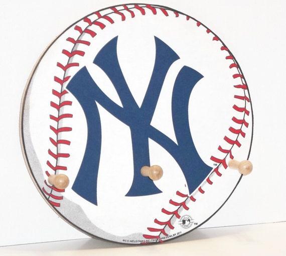 New York Yankees Cap & Jacket Peg Hanger