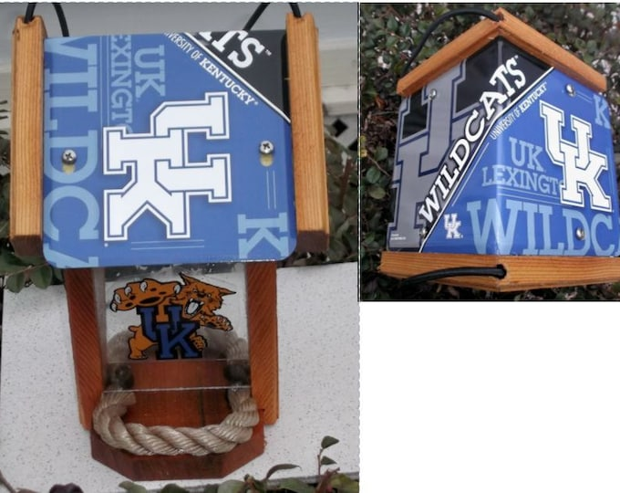 Kentucky University (UK) Two-Sided Cedar Bird Feeder (SI Series)