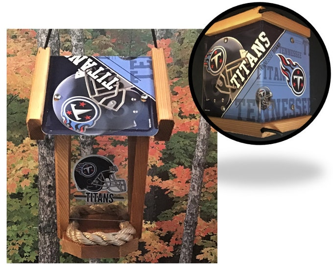 Tennessee Titans Two-Sided Cedar Bird Feeder (SI series)