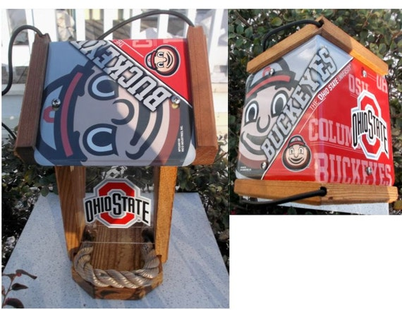Ohio State Two-Sided Cedar Bird Feeder (SI Series)