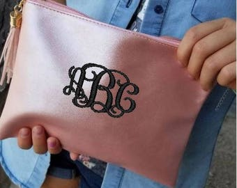 Monogram cosmetic case, Bridal party gifts, Metallic cosmetic case, monogram makeup bag, personalized cosmetic pouch, Metallic Zip Pouch