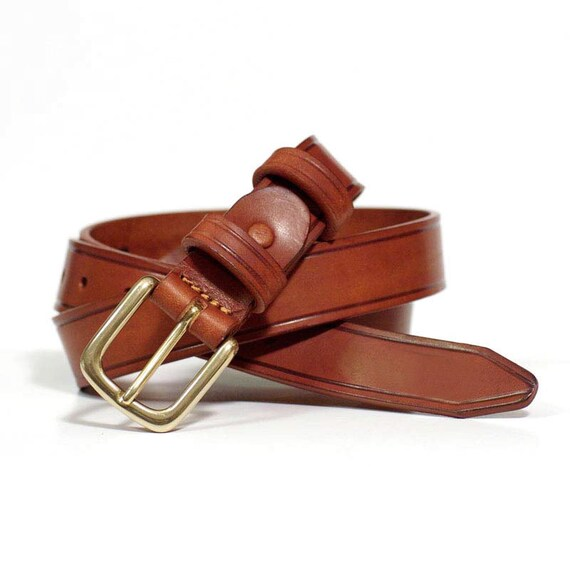 Cowhide Toro Belt in Tuscany 4 mm thick. Brown finish with thread for saddlery-greased leather