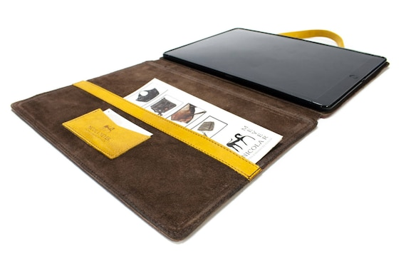 iPad 6th Generation 9.7-Inch (2018) A1893 A1954 PORTFOLIO leather case made by Italian leather as protection choose Body and Accent color