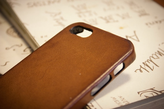 NEW Iphone Leather Case Washed Leather Aged for 8 7 and 6S or PLUS and SE and 4/4s or 5/5s to use as protection colour bulgaro 303