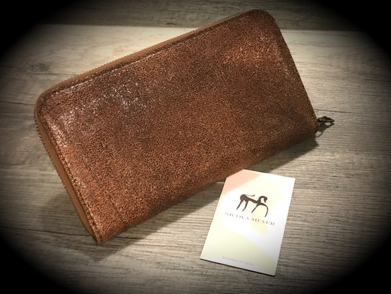 The PERFETC Wallet Iphone x 8 7 6 Plus Horse Front Leather Walllet Genuine Leather Case with Zip fastener made in Tuscany Italy