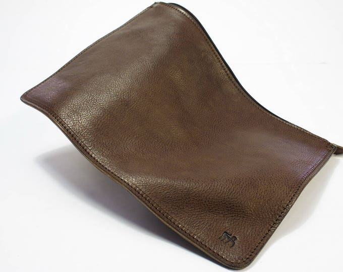 iPad Pro 10.5 9.7 12.9 macbookk 12 13 15 sleeve pouch zip fastener vegetable tanned leather made in Tuscany Italy choose device and color