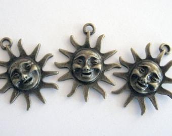 Smiling Sun Charm Leather Bracelet Sunburst Charm Wedding Party Favor Silver Sun Charms Sun Pendant Wine Charm 25 Sunshine Charm