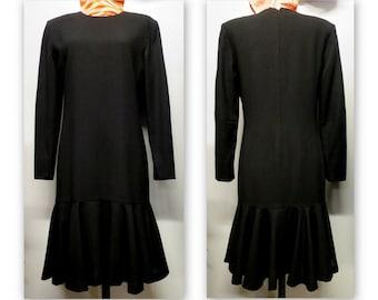 Black dress, style Charleston, long sleeves