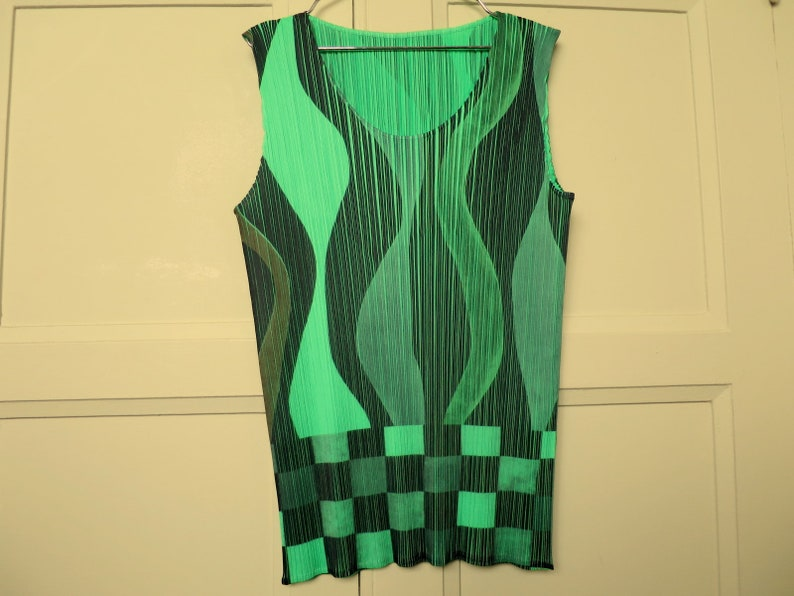 fa5282a040937 PLEATS PLEASE Issey MIYAKE pleated vintage tank top