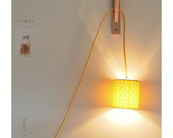 Nomadic PYRAMID lamp