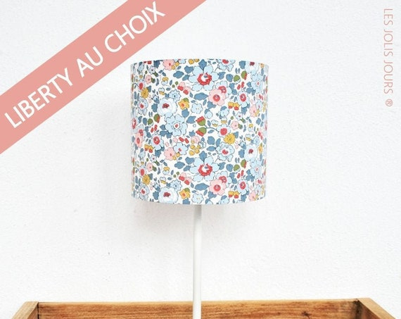 Personalize your LIBERTY LAMPE