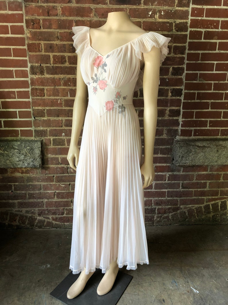 Vintage Pink Blush Lingerie With Shadow Embroidery Feminine image 0