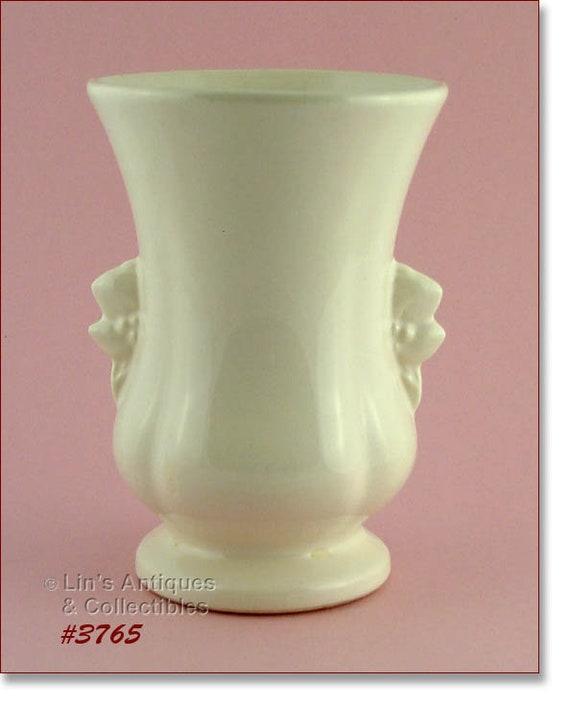 Mccoy Pottery Vintage White Vase 8 Inches Tall Vintage Mccoy Etsy
