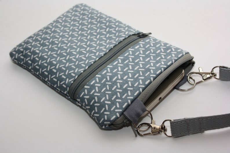 Crossbody phone case Neck case travel bag Smartphone