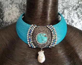 Faux Snake Turquoise Pearl Collar Statement Necklace Bold Collar Necklace Dramatic Jaw drop Jewelry Pop of Color Wow Factor Diva Necklace