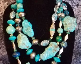 Turquoise Magnesite Statement Necklace Southwestern Bold Chunky KATROX Big Stone Necklace Head Turner Jaw Drop Jewelry Wow Factor Dramatic