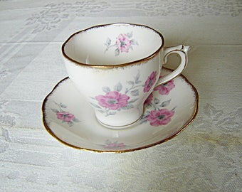 Roslyn 8414 pink Pansy cup and saucer VGU